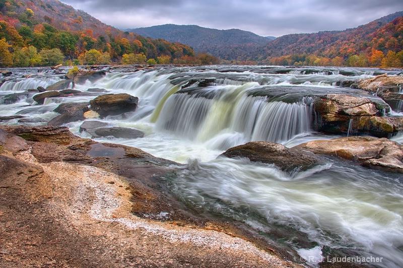 Sandstone Falls - ID: 15025844 © R. J. Laudenbacher