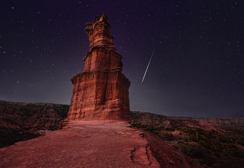 Meteorite over Lighthouse - ID: 15027562 © Sherry Karr Adkins