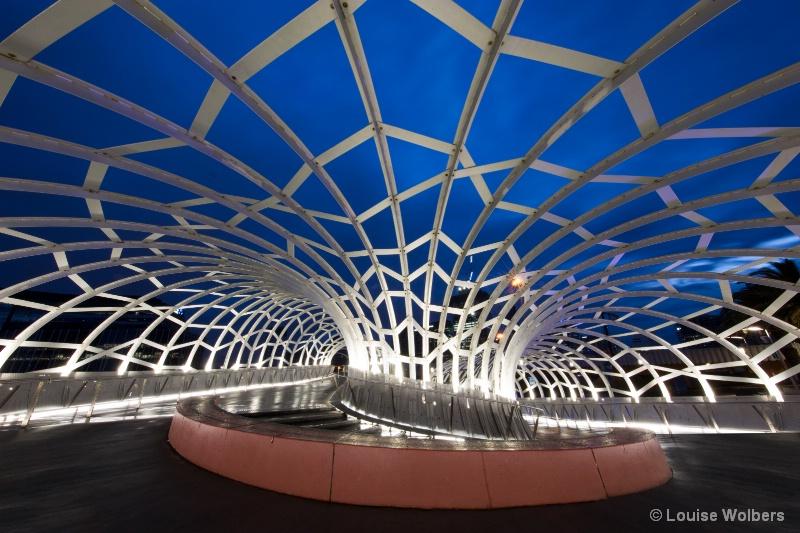 Web Bridge - ID: 15028128 © Louise Wolbers