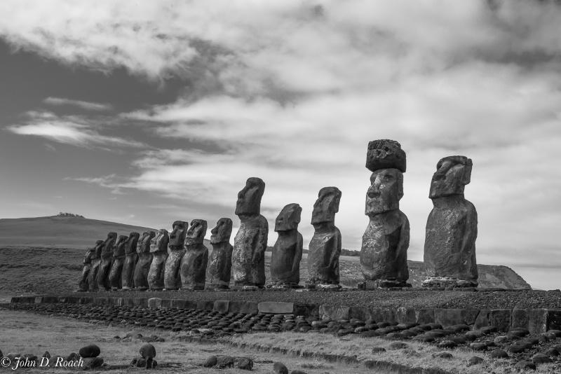 Moai Watching - ID: 15029993 © John D. Roach