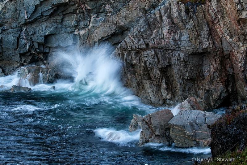 Garrapata Waves No. 2 - ID: 15030393 © Kerry L. Stewart