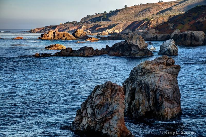 Garrapata Coastline - ID: 15030396 © Kerry L. Stewart