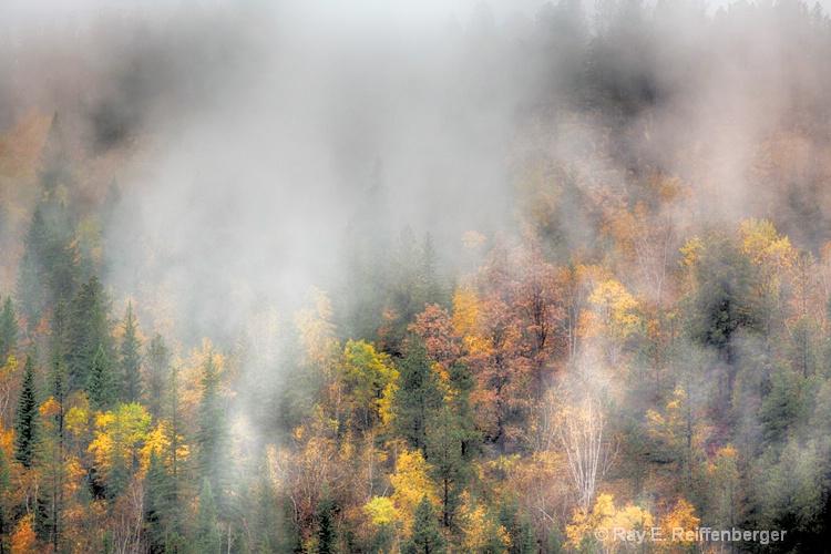 h0c5738 Hills 2015 - ID: 15043731 © Raymond E. Reiffenberger