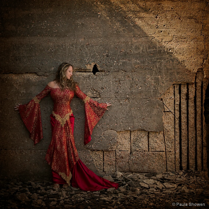 Lady in Ruins