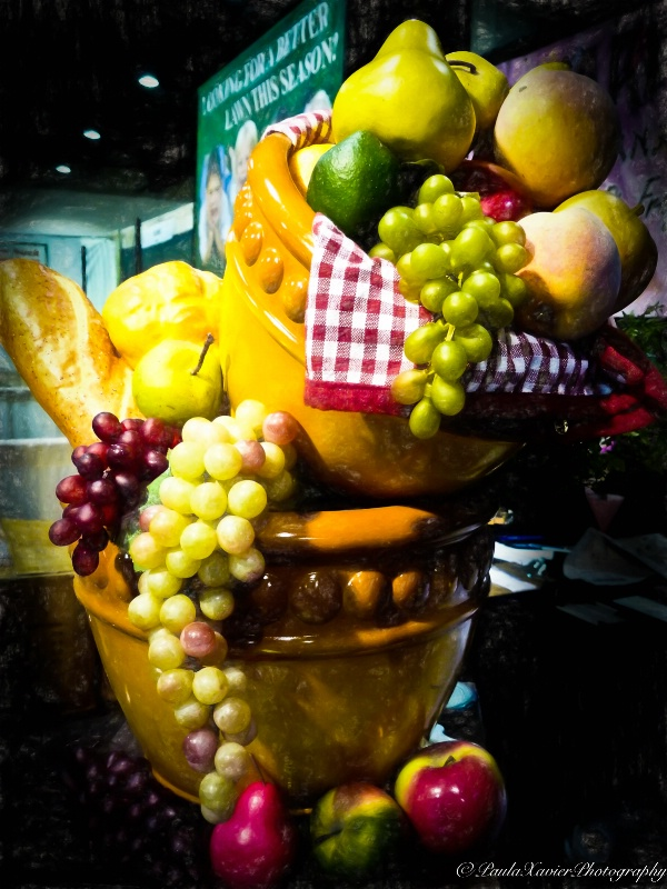 Bowls of Fruit - ID: 15087718 © Paula Xavier