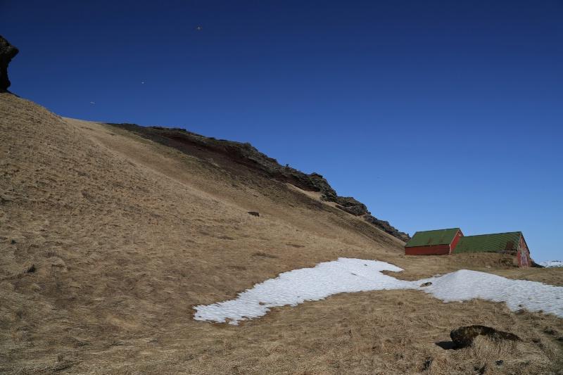 Pastures and Snow - ID: 15108896 © Ilir Dugolli