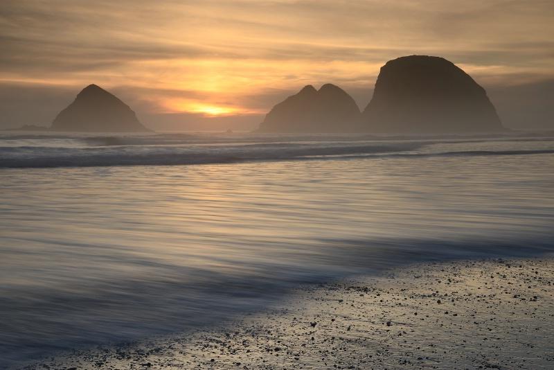 Spring at Oceanside Beach - ID: 15124318 © Ron Heusser