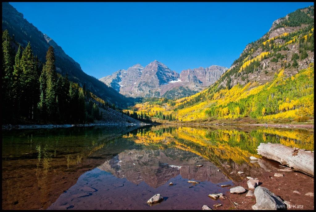 Fall Reflections.JPG - ID: 15139384 © Annie Katz