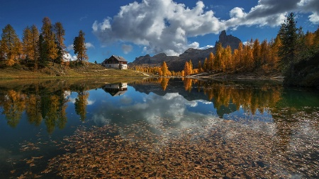 Dolomiti lake