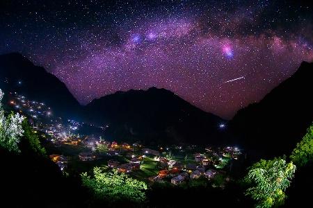 Shooting Star & Milky Way