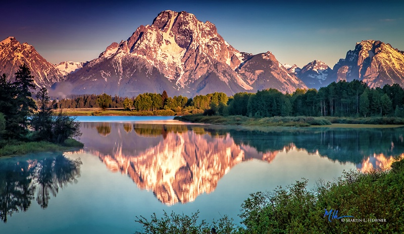 Mt. Moran Sunrise - Grand Teton National Park - ID: 15178058 © Martin L. Heavner