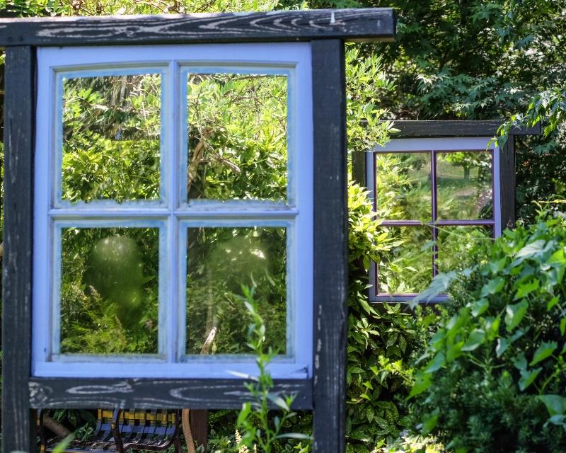 windows - ID: 15188115 © Nancy Auestad