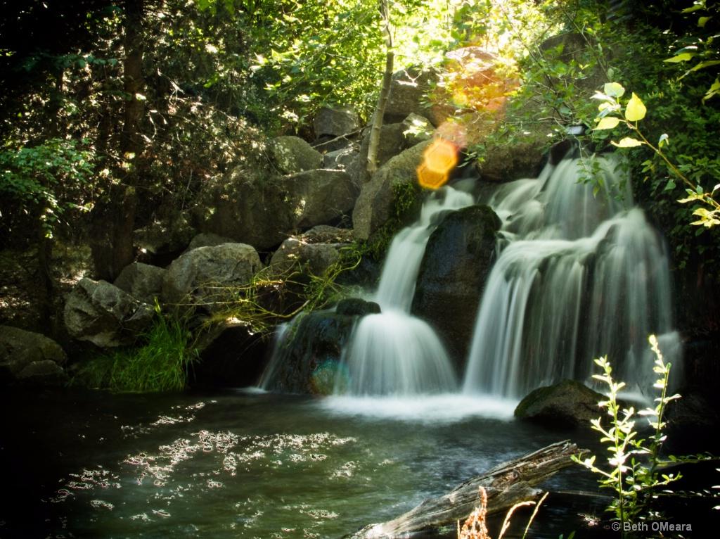 Waterfalls and Sunshine - ID: 15195235 © Beth OMeara