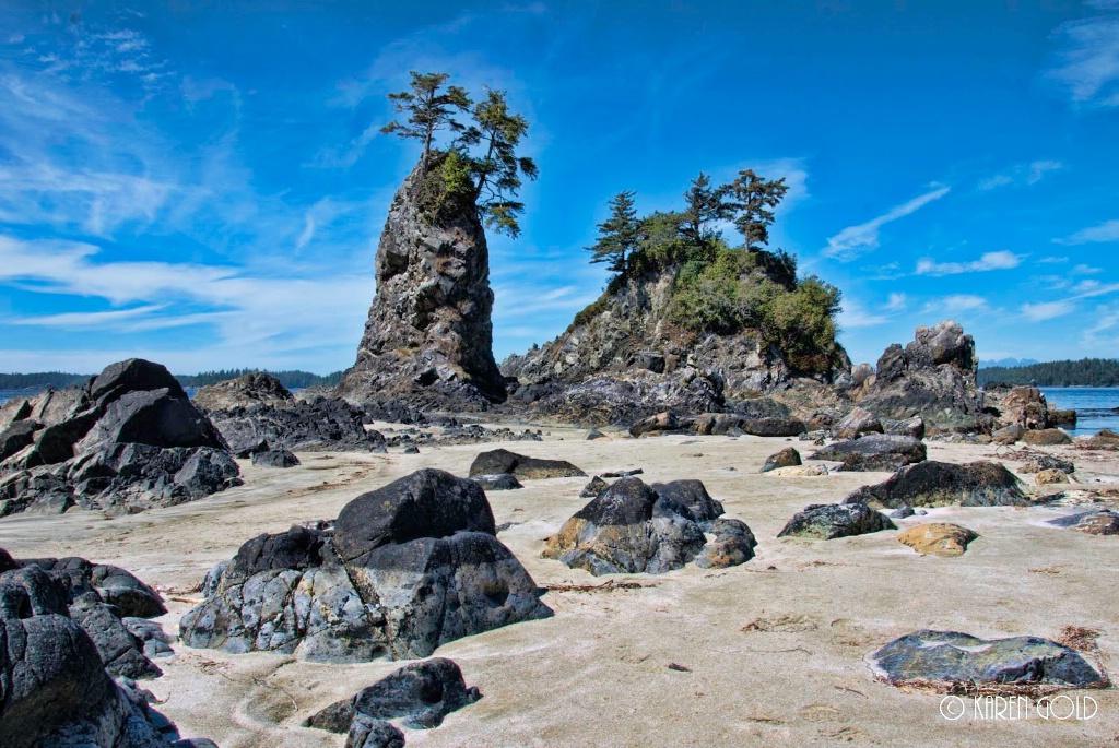 Brady's Beach - ID: 15206986 © Karen E. Gold