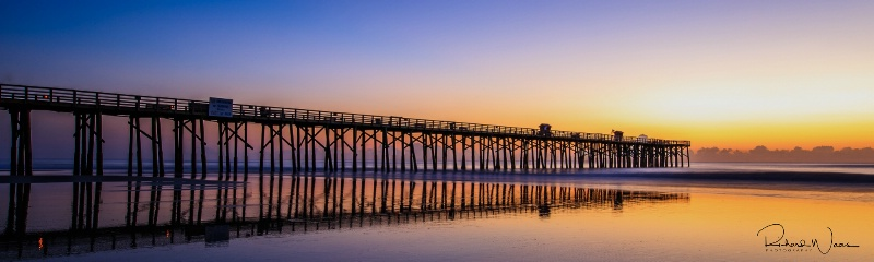 Sunrise at the Pier - ID: 15210785 © Richard M. Waas