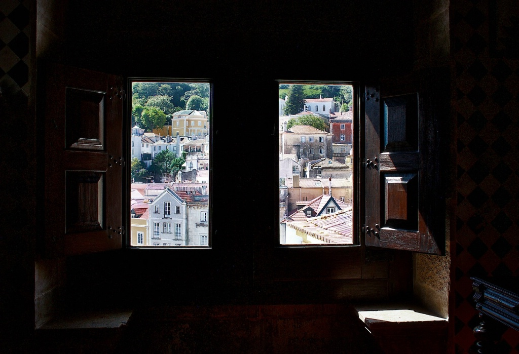 Sintra Through a Window 1 - ID: 15211973 © David Resnikoff