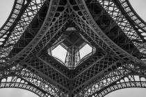 Under Eiffel