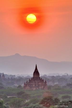 Beautiful Sunset at Bagan