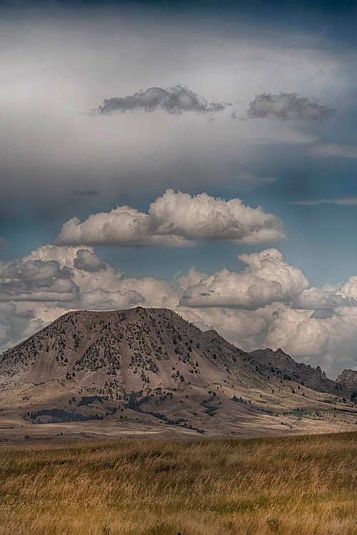 H0C6447 Hills 16 - ID: 15273627 © Raymond E. Reiffenberger