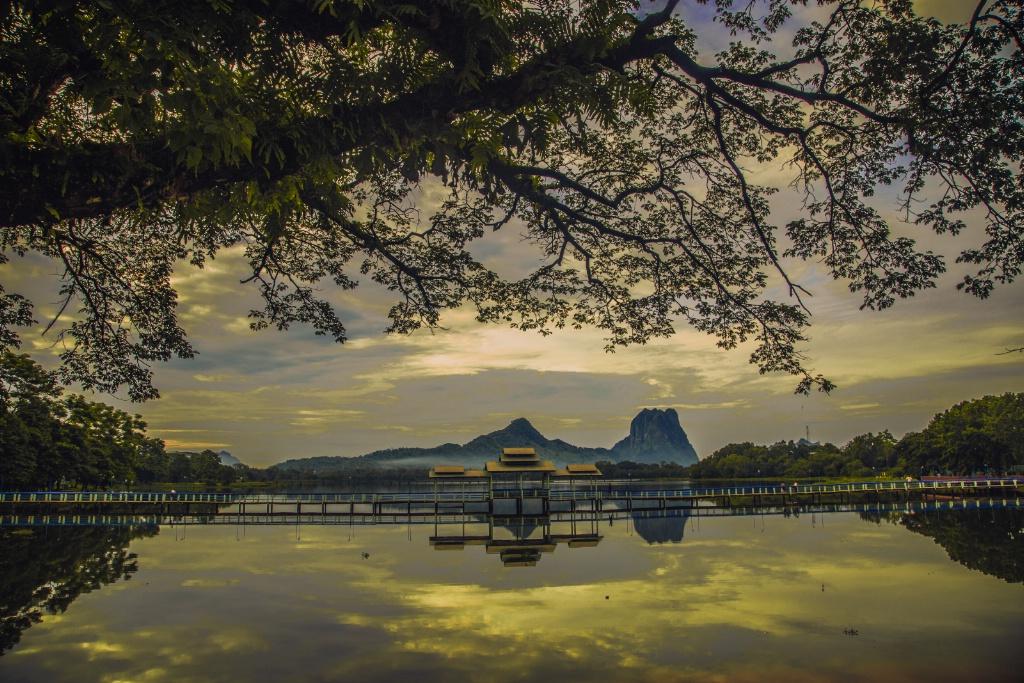 Zwe-Ka-Pin Mountain