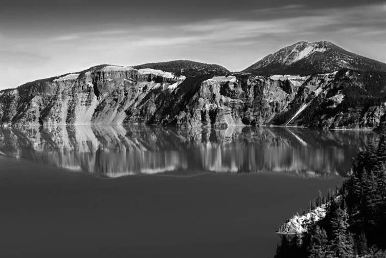 Crater Lake, Oregon - ID: 15292455 © Laura Wald