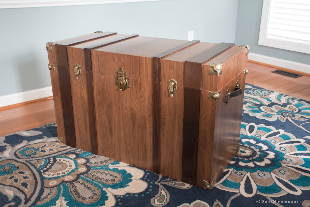 Walnut Steampunk Trunk - ID: 15292704 © Apex 1998-2018
