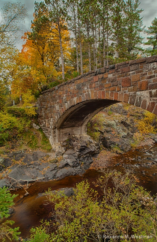 Autumn at the Stone Bridge of Lester Park - ID: 15293587 © Roxanne M. Westman