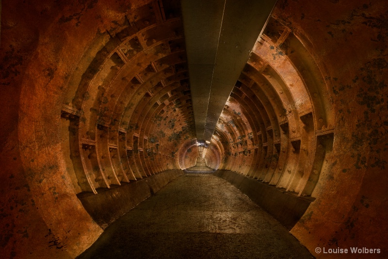 Rusty Foot Tunnel - ID: 15298050 © Louise Wolbers