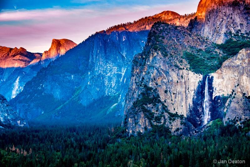 Yosemite in Technicolor