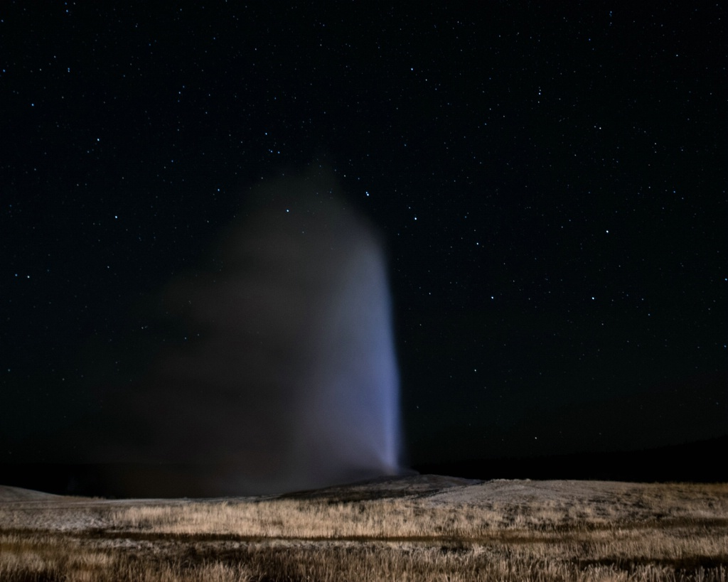 Old Faithful and the Big Dipper - ID: 15304671 © Carol Gregoire