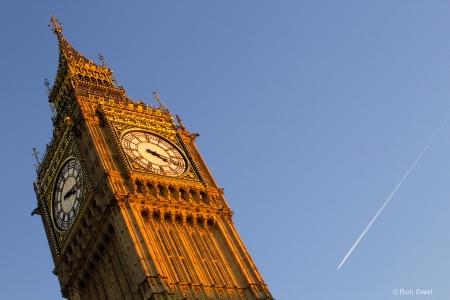Flying to Big Ben