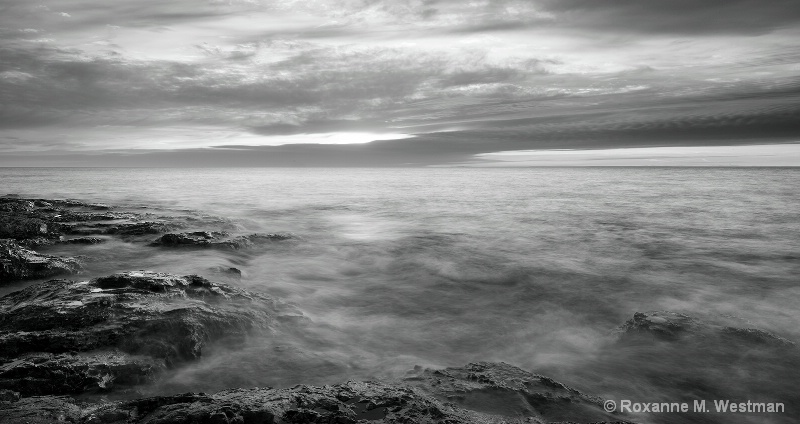Rocks of Lake Superior - ID: 15308299 © Roxanne M. Westman