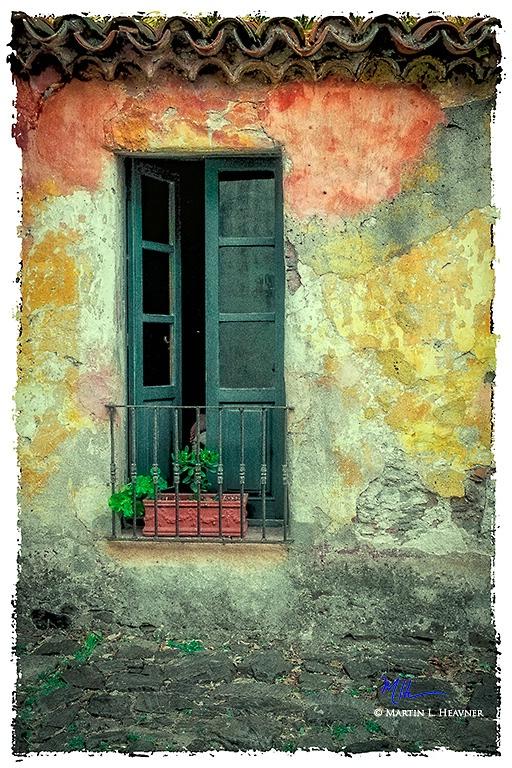 Colonia Colors - World Heritage Site, Uruguay - ID: 15327647 © Martin L. Heavner