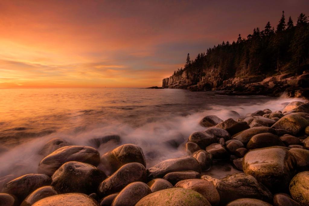 Otter Cliffs at Dawn - ID: 15331214 © Danny B. Head