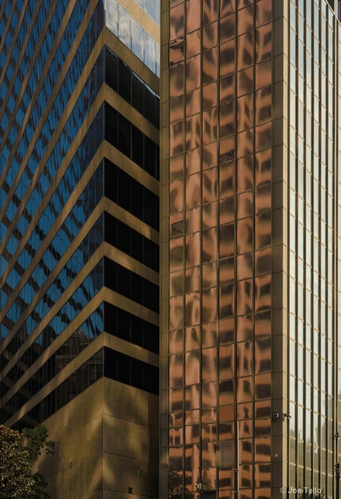 Window Reflection - ID: 15343837 © Joe Tello