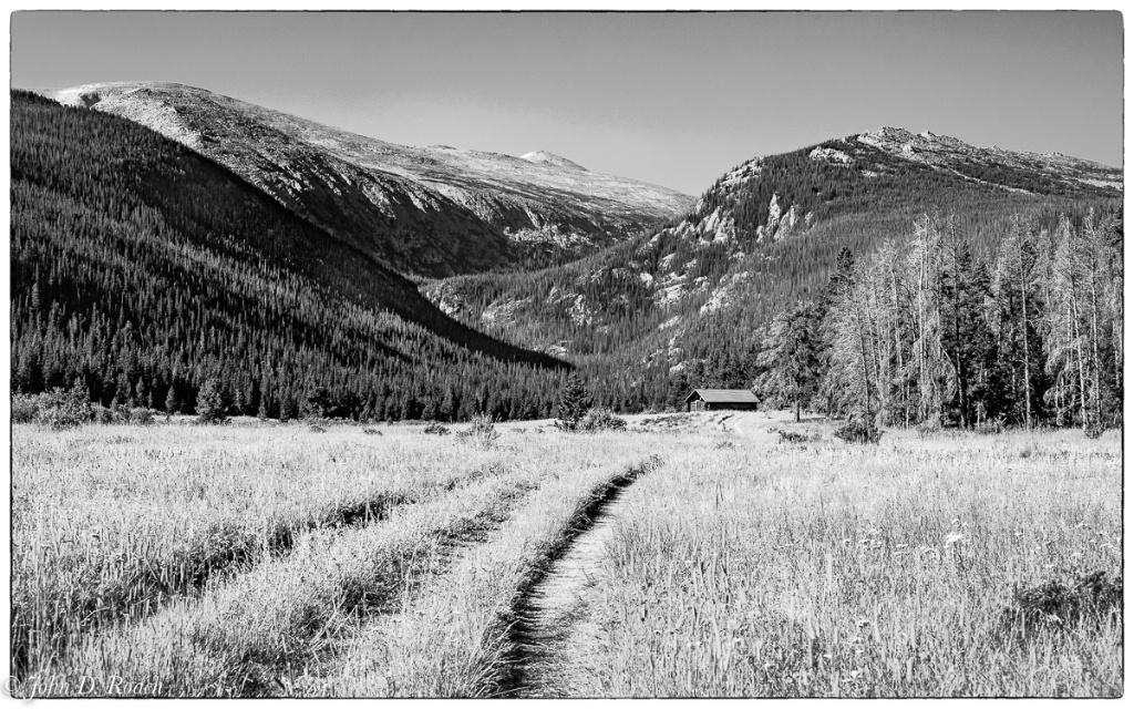 Cabin in the Rockies #2 - ID: 15345662 © John D. Roach