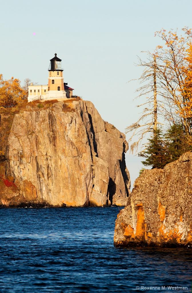 Split Rock Lighthouse, Superior Lake - ID: 15364964 © Roxanne M. Westman