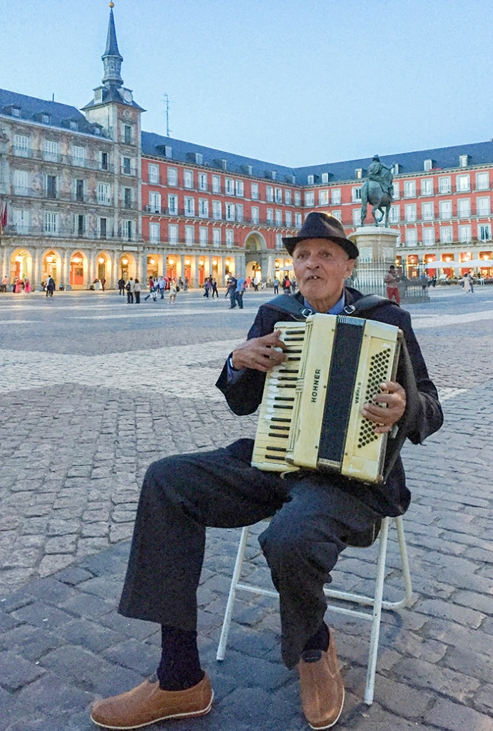 Accordion Player - Plaza Mayor, Madrid, Spain - ID: 15369903 © Sheila Babbie