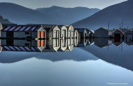 Perfect-reflection