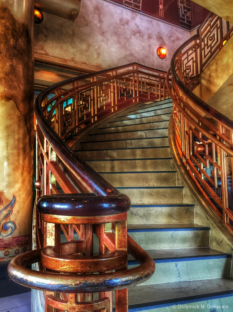 ~ ~ GRAND STAIRCASE ~ ~