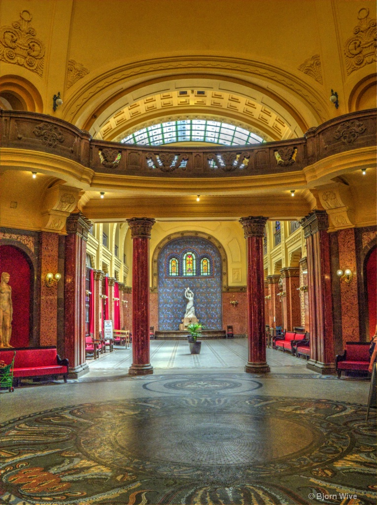 Thermal baths in Budapest, HDR