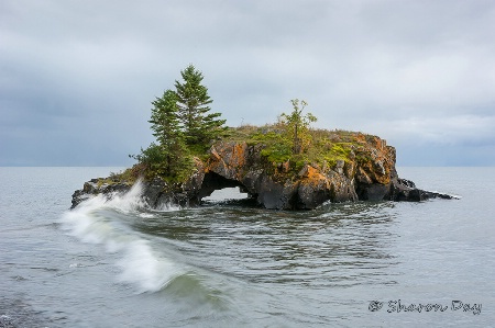 Hollow  Rock