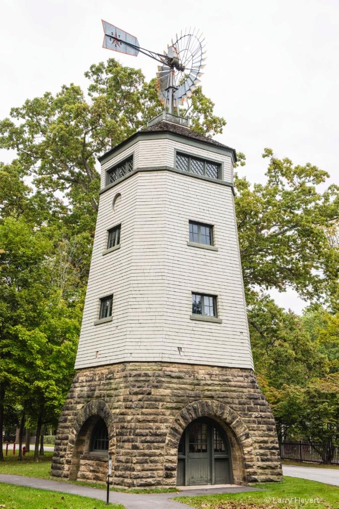 Water Tower - ID: 15471643 © Larry Heyert