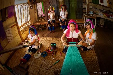 Kayan ladies