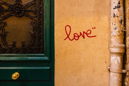 love (Paris)