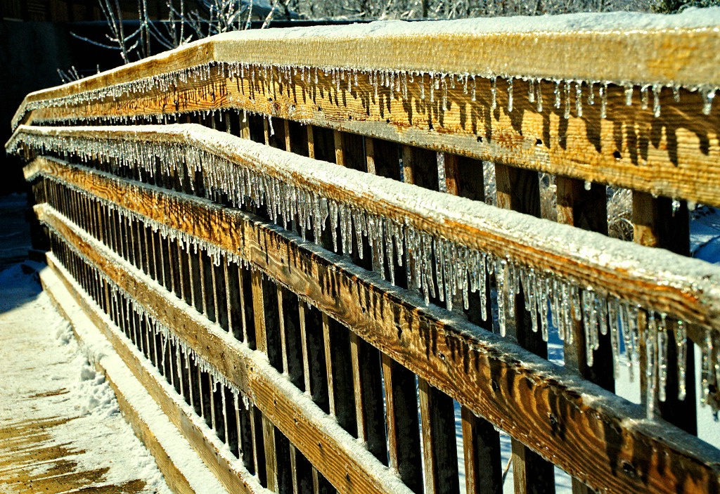 Icicle bridge