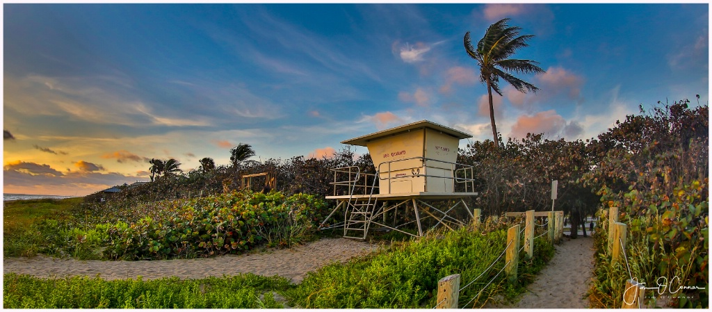 Stuart Beach Lifeguard Stand - ID: 15519317 © Jim OConnor
