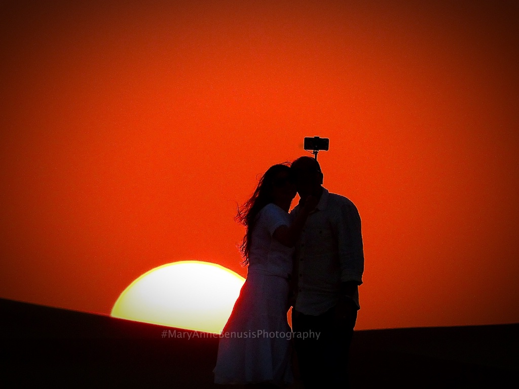 Selfie: Dubai Desert Love  - ID: 15523569 © Mary-Anne Benusis
