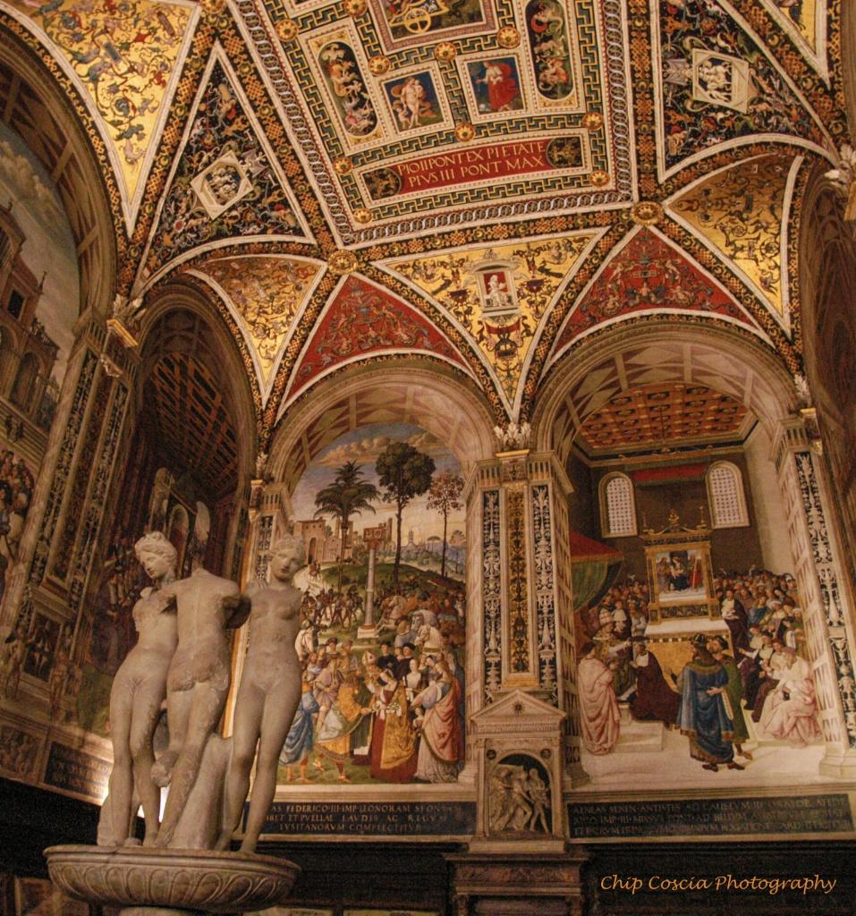Ill Duomo Interior - ID: 15542964 © Chip Coscia