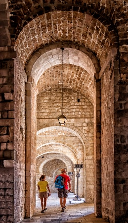 Through the Arches  8982